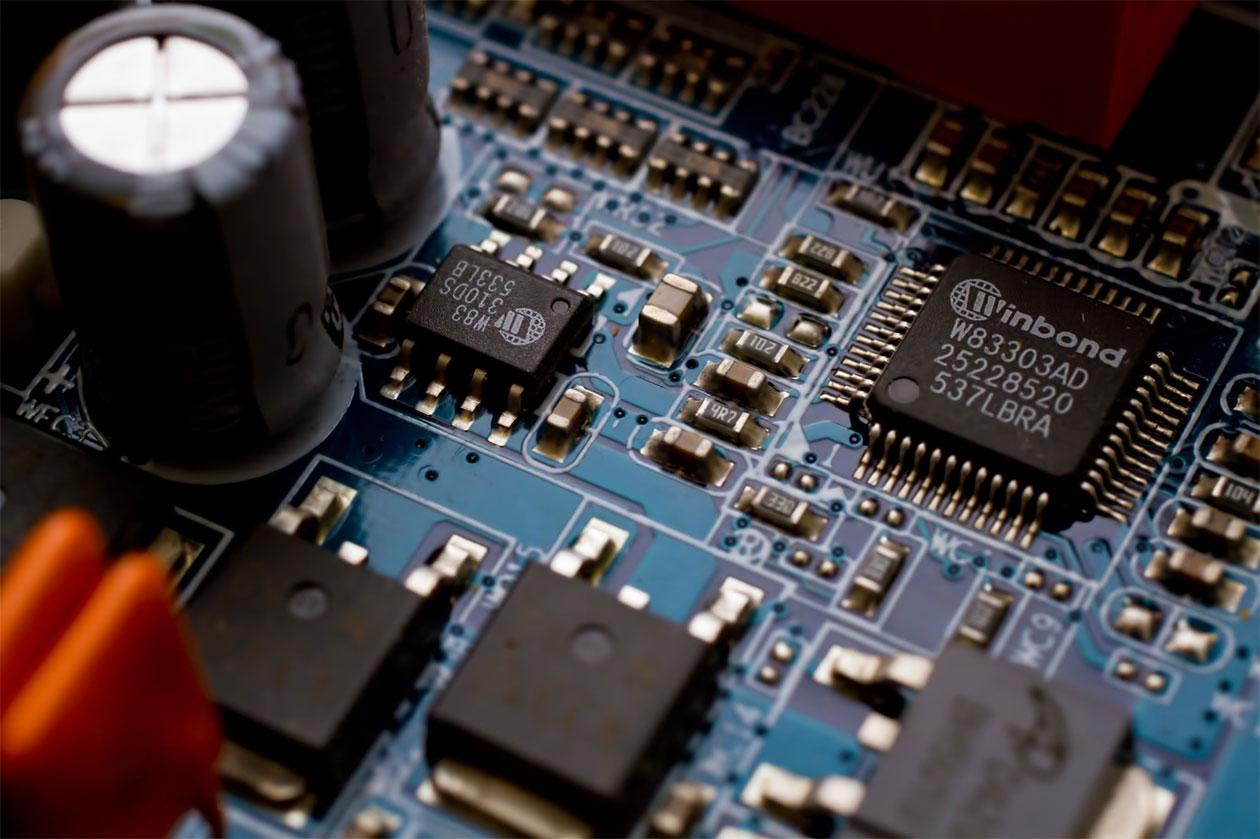 産業用鉛蓄電池の生産が増える